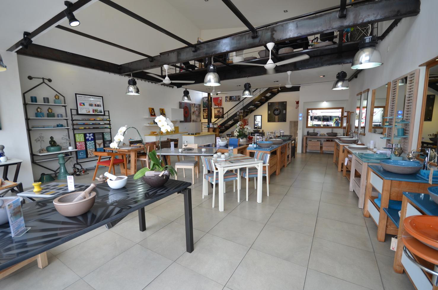 Tables / salles de bains /cuisines pierre de lave
