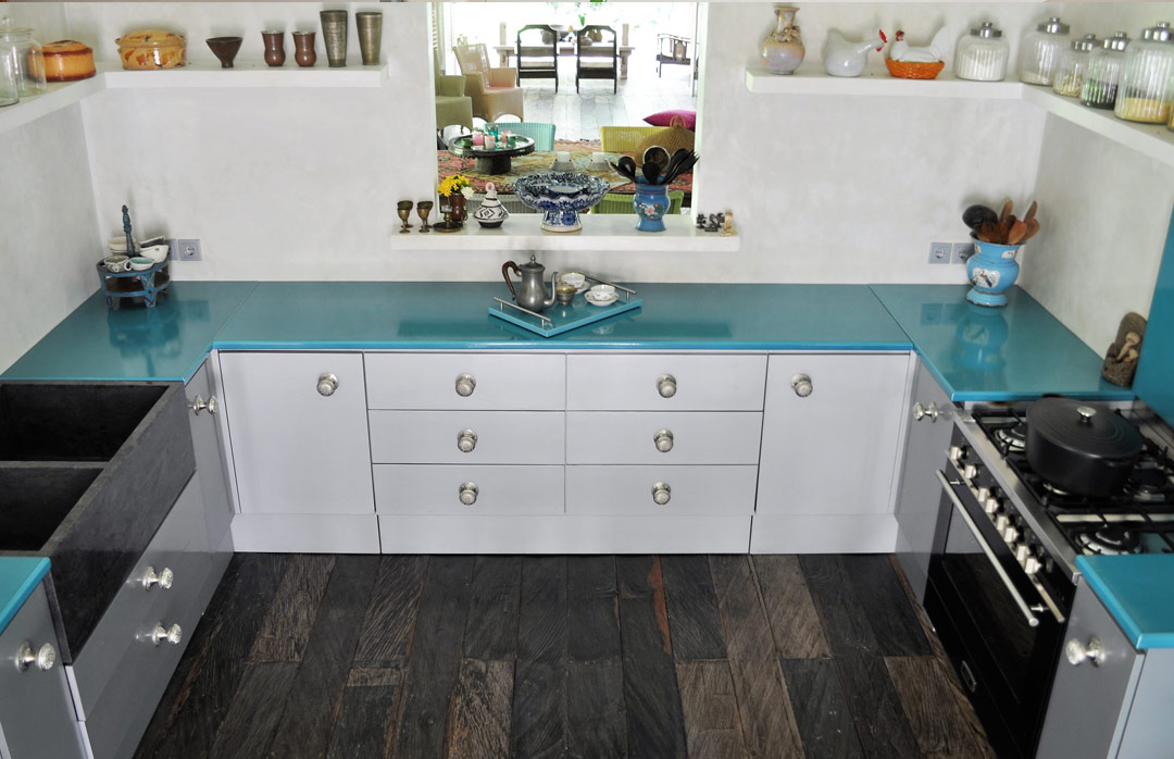 kitchen furniture with enameled lava stone | couleur lave