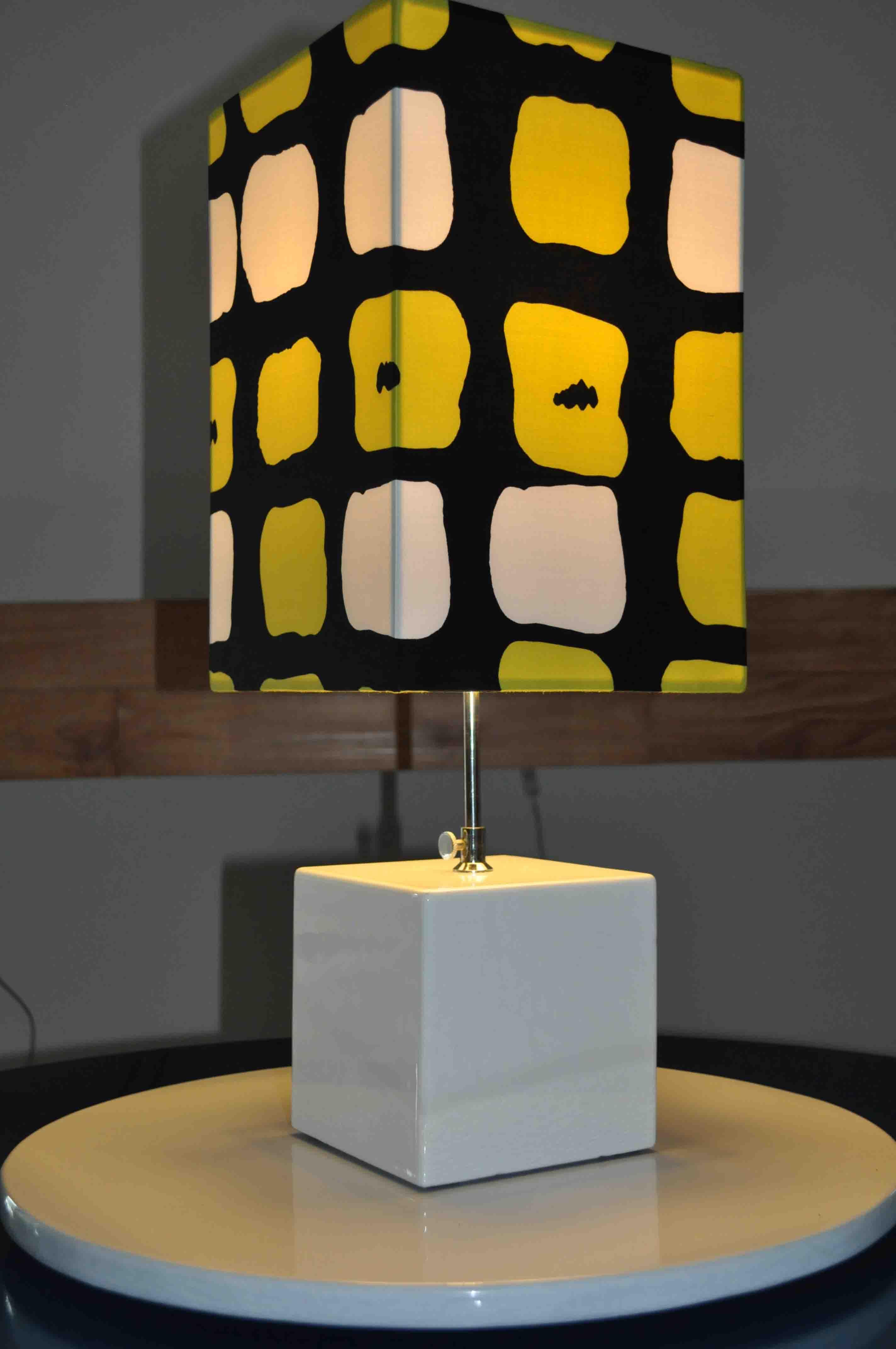 Lampe-fashion-composant-coloré-new-collectioncouleur-lave-volcan-modern-émaille-céramique-France-Luxe-design