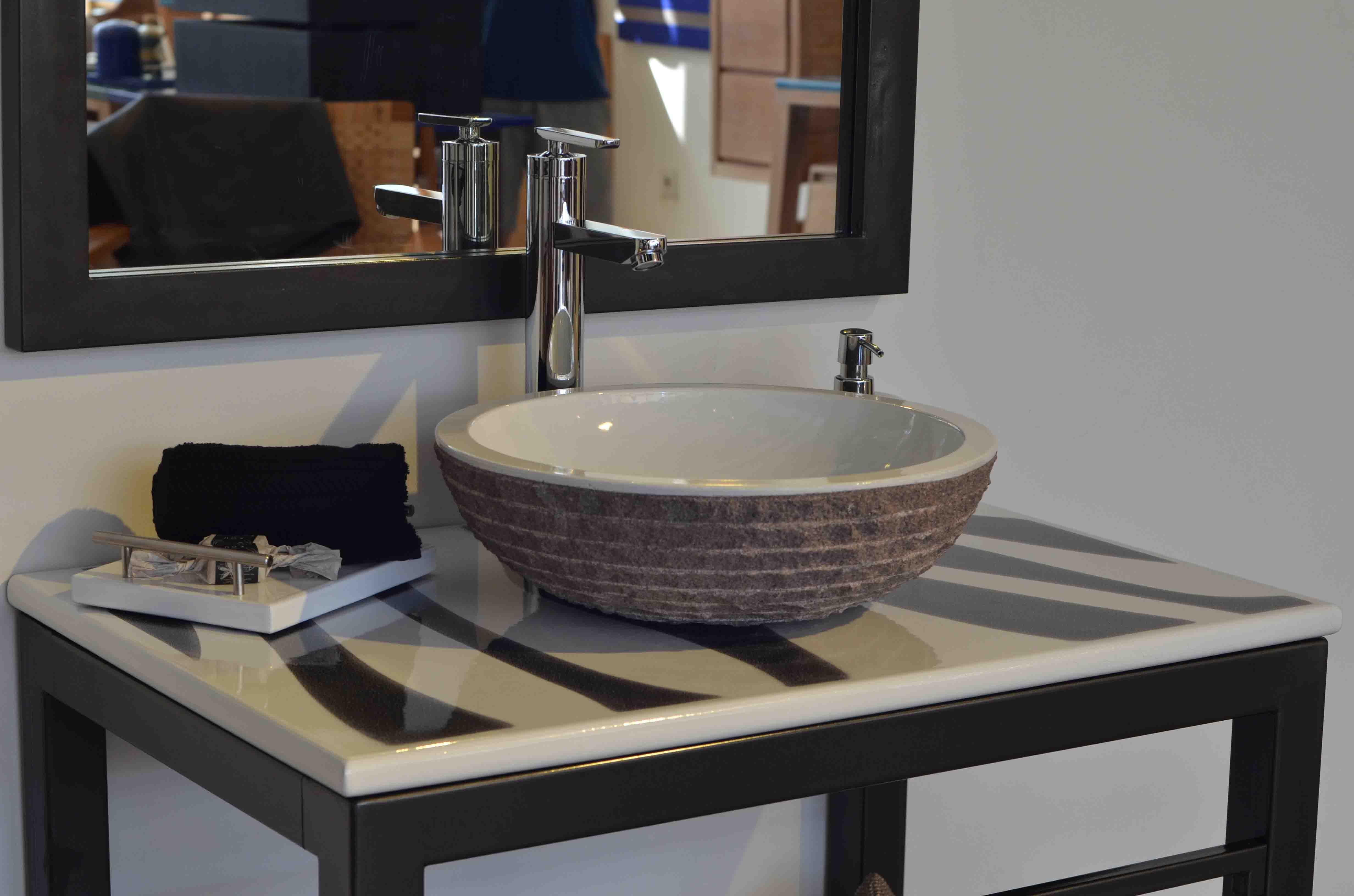Dessin-Zebre-Black-white-noir-et-banc-set-marmo-bois-teak-nature-couleur-lave-volcan-émaille-céramique-France-Luxe