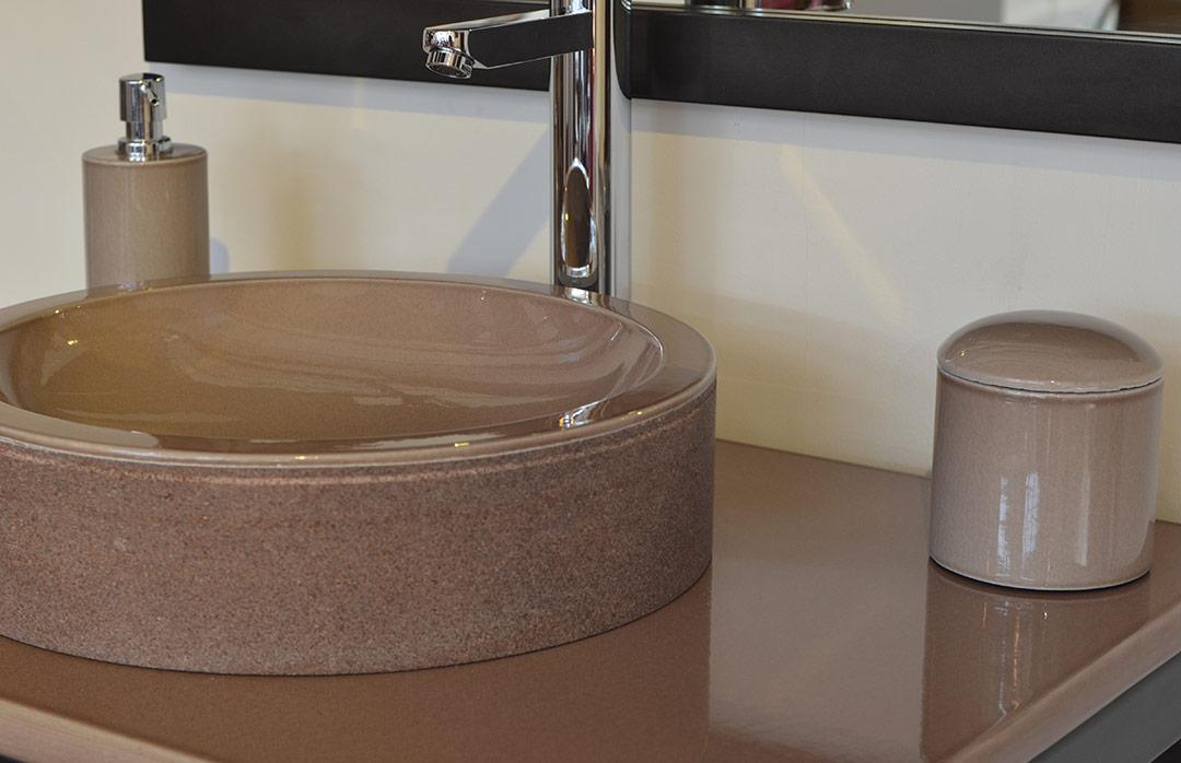 vasque salle de bain en lave émaillée