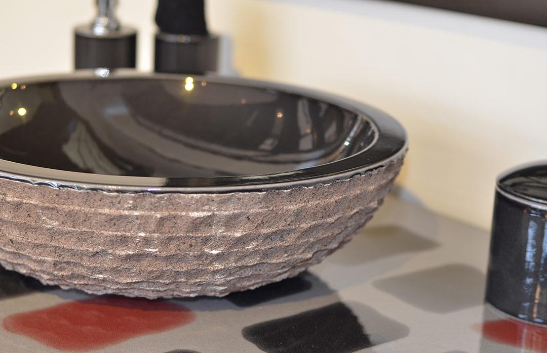 Vasque en pierre de lave émaillée