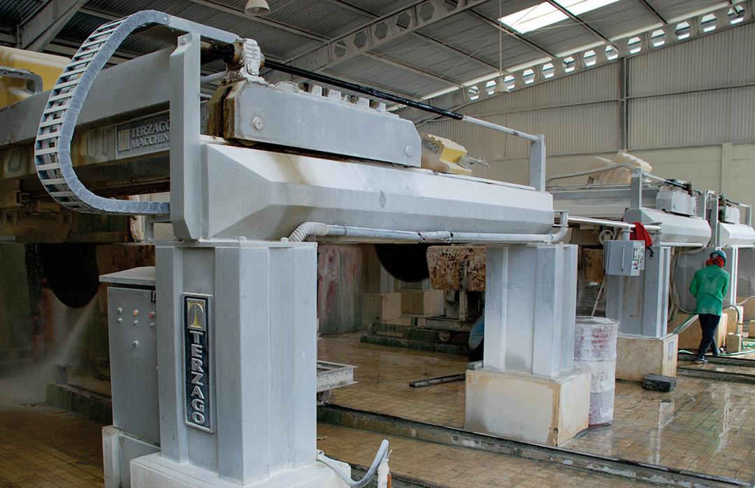 fabrication-machine-a-decouper-lave