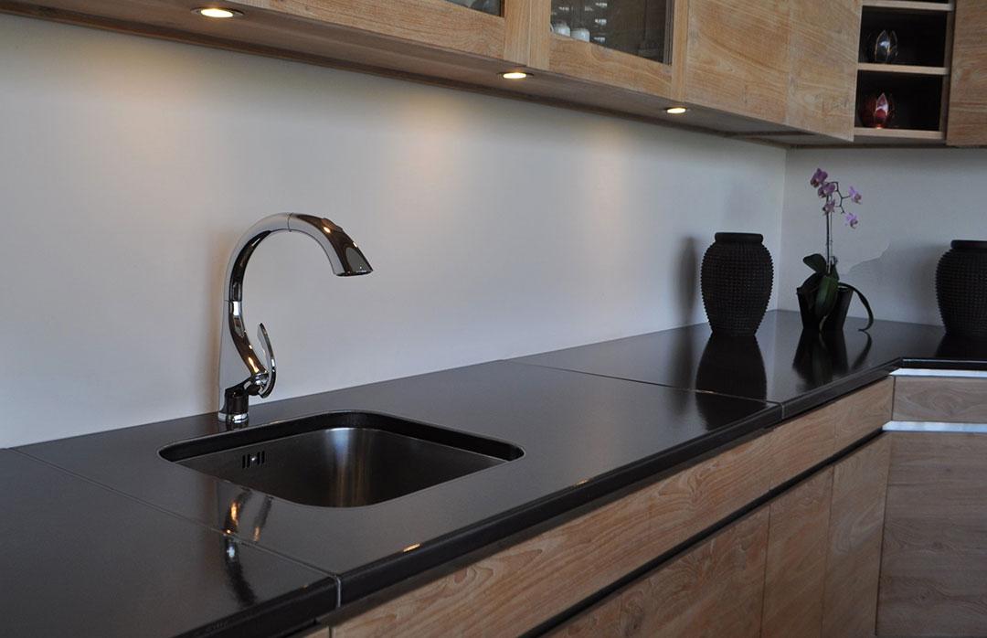 table-de-travail-noir-pierre-de-lave-émaillée-couleur-lave-bois