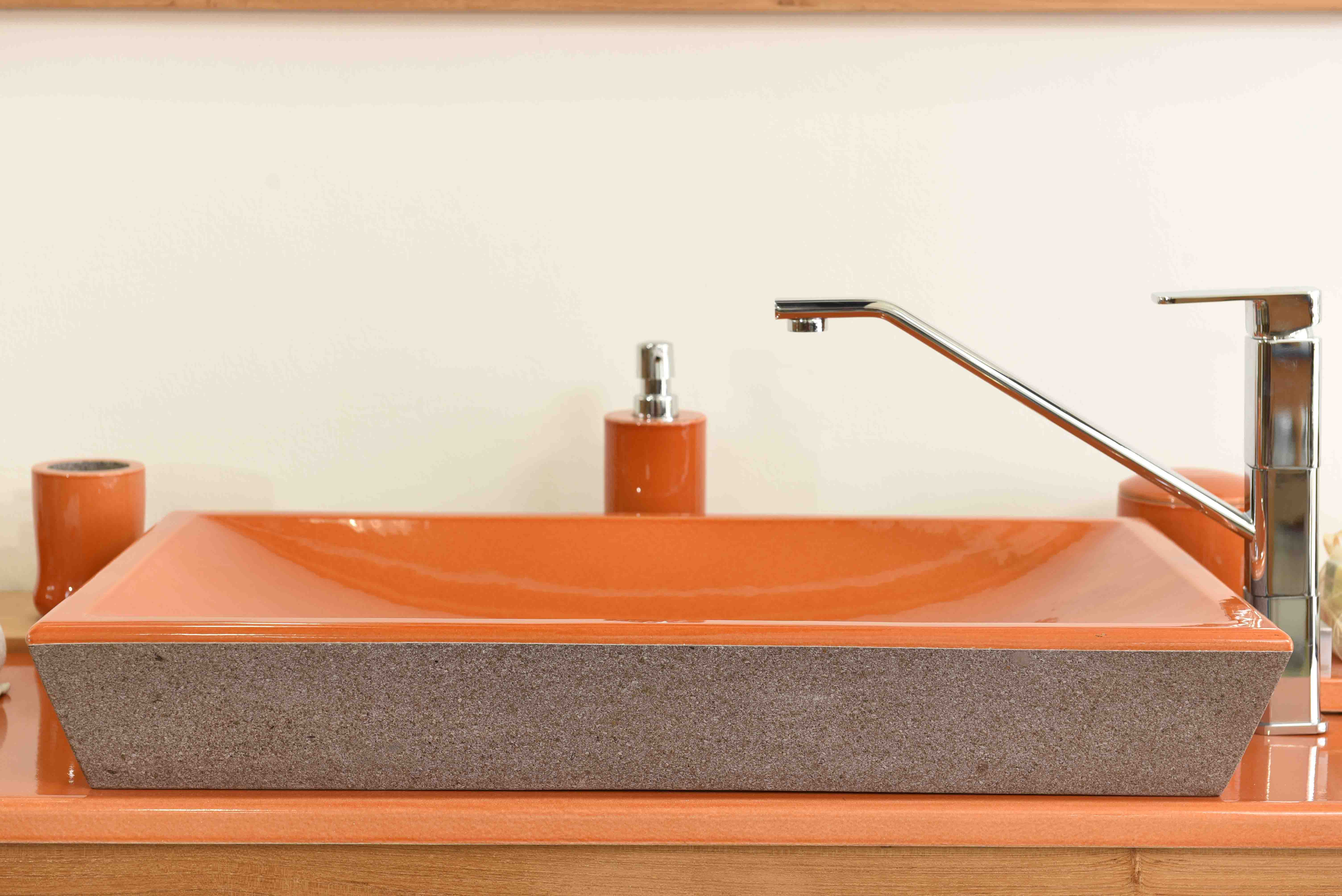Sink-Orange-zoom-big-innovation-colored-bois-teak-nature-couleur-lave-volcan-émaille-céramique-France-Luxe