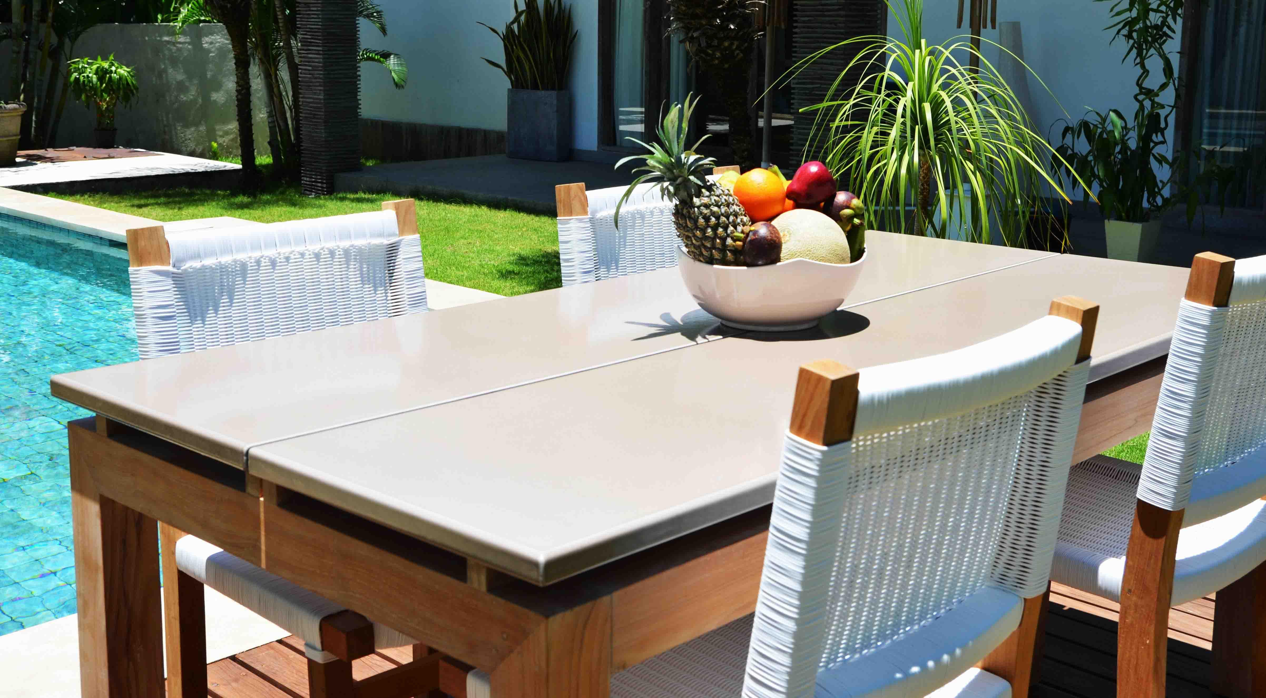 Table jardin teck / pierre de lave