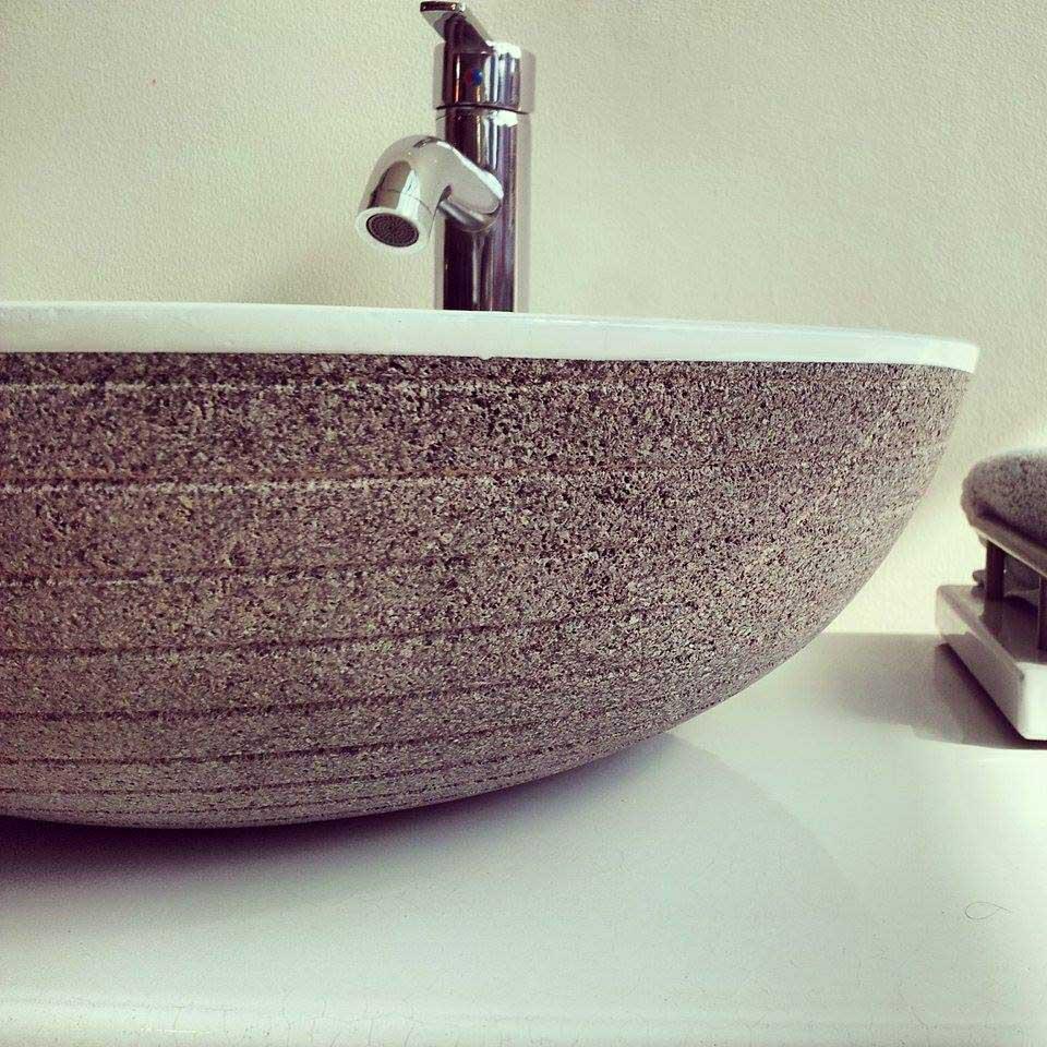 Bassin-sink-grooved-face-blanc-bois-teak-nature-couleur-lave-volcan-émaille-céramique-France-Luxe